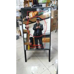 거울로 만든유리 스탠드입간판